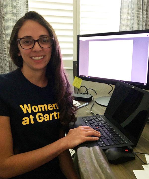 laura-medrado-chair-of-volunteer-events-women-at-gartner-fort-myers
